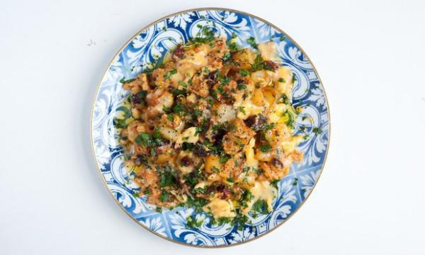 Nuno Mendes\' Winter Sunshine Rezepte: Eiern mit Chouriço und Krabben ...
