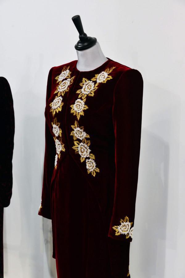 Wie viel haben für Prinzessin Diana Kleider verkaufen? (Fotos)
