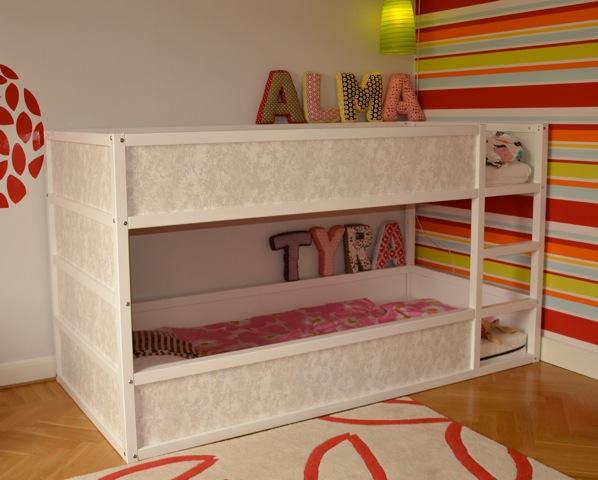 Ikea Etagenbett Kura : Ikea kura bunk bed hack for two disney cars trofast storage